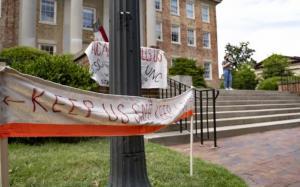 刚开学就177例,北卡大学教堂山分校宣布改上网课,不刚了…