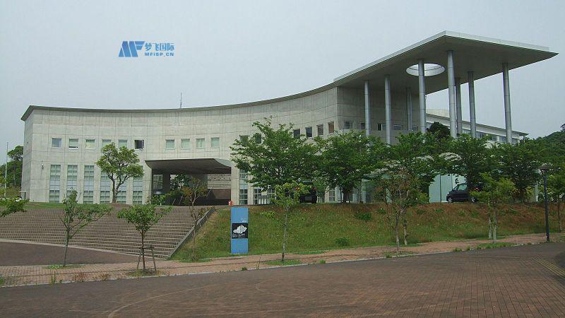 日本红十字九州国际看护大学校园图片1