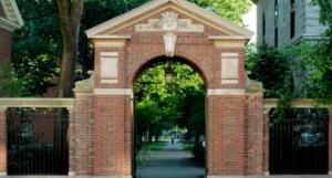 《纽约时报》粗略统计:270所美国大学超6300人确诊,校园感染被忽视