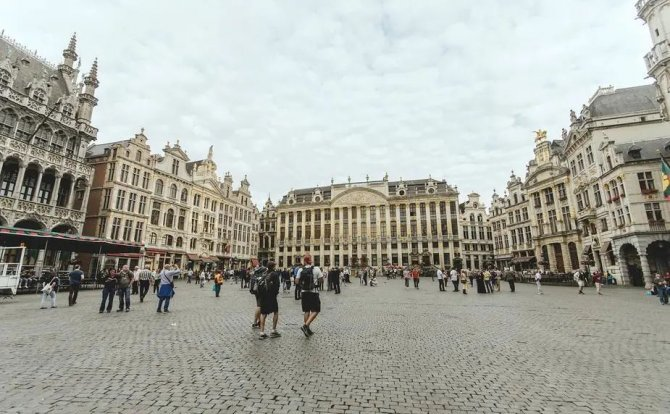 """留学比利时 怦然心动的""""欧洲心脏"""""""