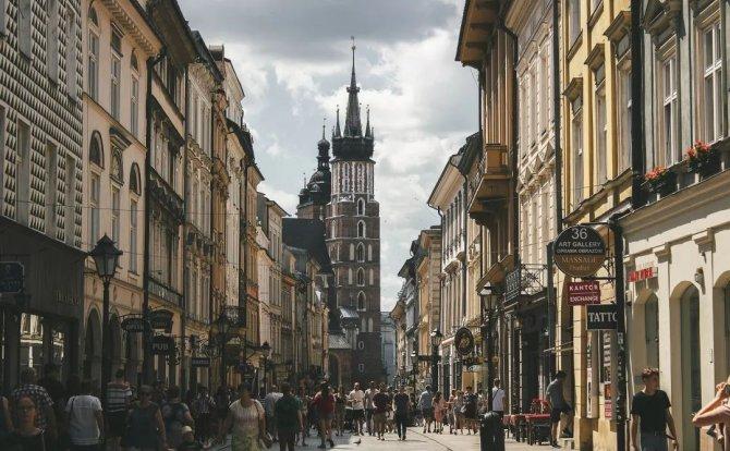 留学波兰 | 赴居里夫人故乡,与肖邦、哥白尼做校友
